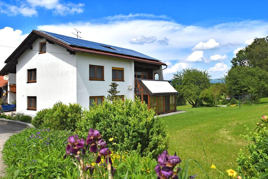 Klein, gezellig appartement in het Beierse Woud in een informele omgeving - Boerderijvakanties.nl