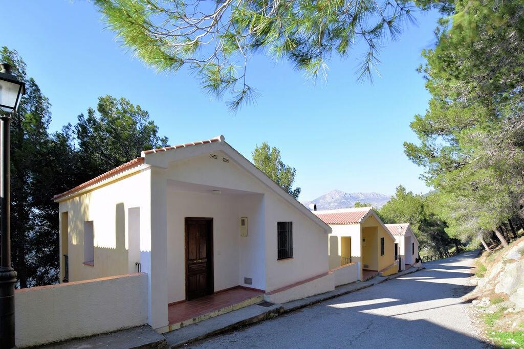 Luxe vakantiehuis in Andalusië, Spanje bij het meer - Boerderijvakanties.nl