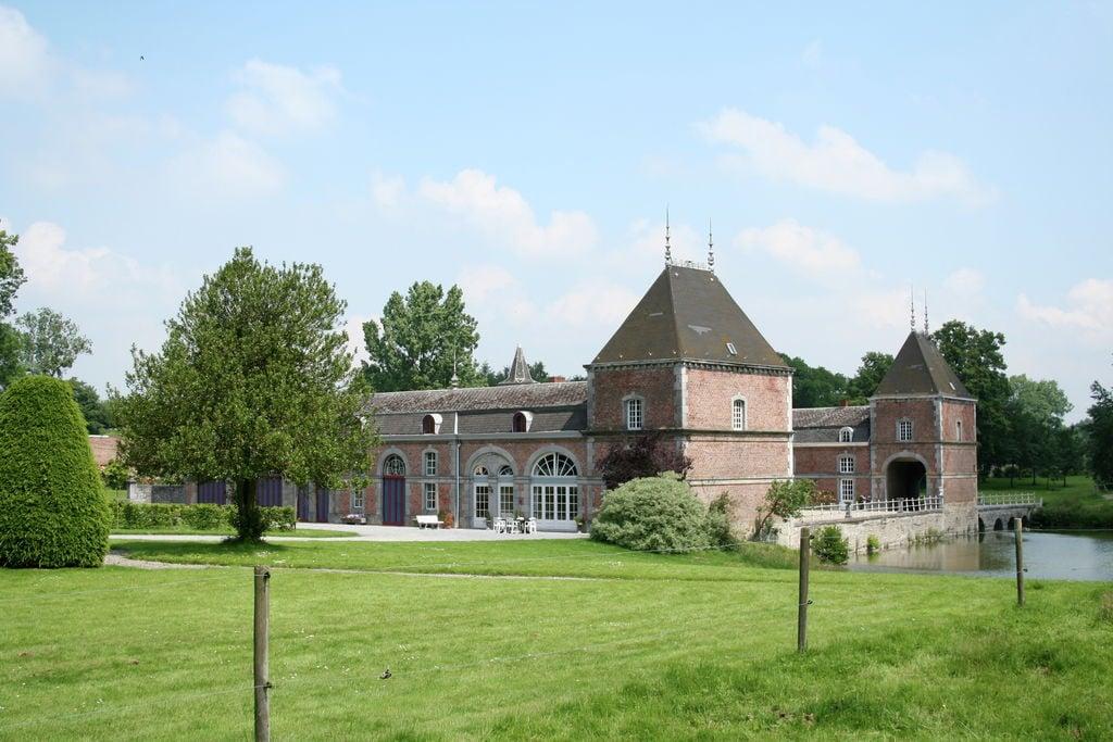 Prachtig kasteel in Havelange midden in de natuur - Boerderijvakanties.nl