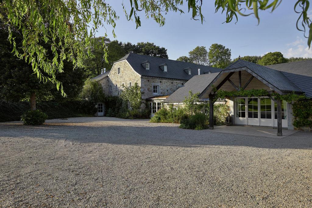 Formidabel groot vakantiehuis in de omgeving van Spa, veel activiteiten mogelijk - Boerderijvakanties.nl
