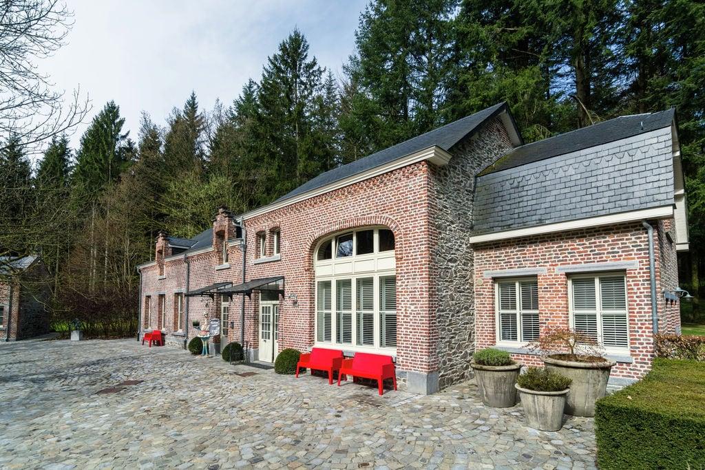 Luxe vakantiehuis in Gedinne met jacuzzi - Boerderijvakanties.nl