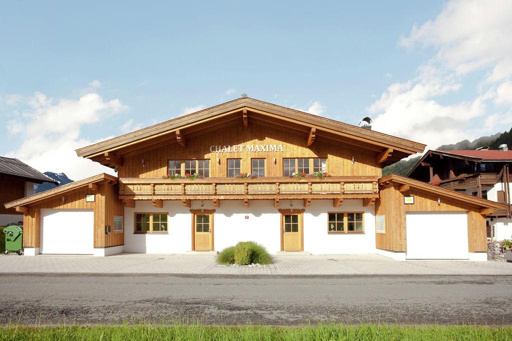 Modern vakantiehuis in Sankt Jakob in Haus met recreatieruimte - Boerderijvakanties.nl