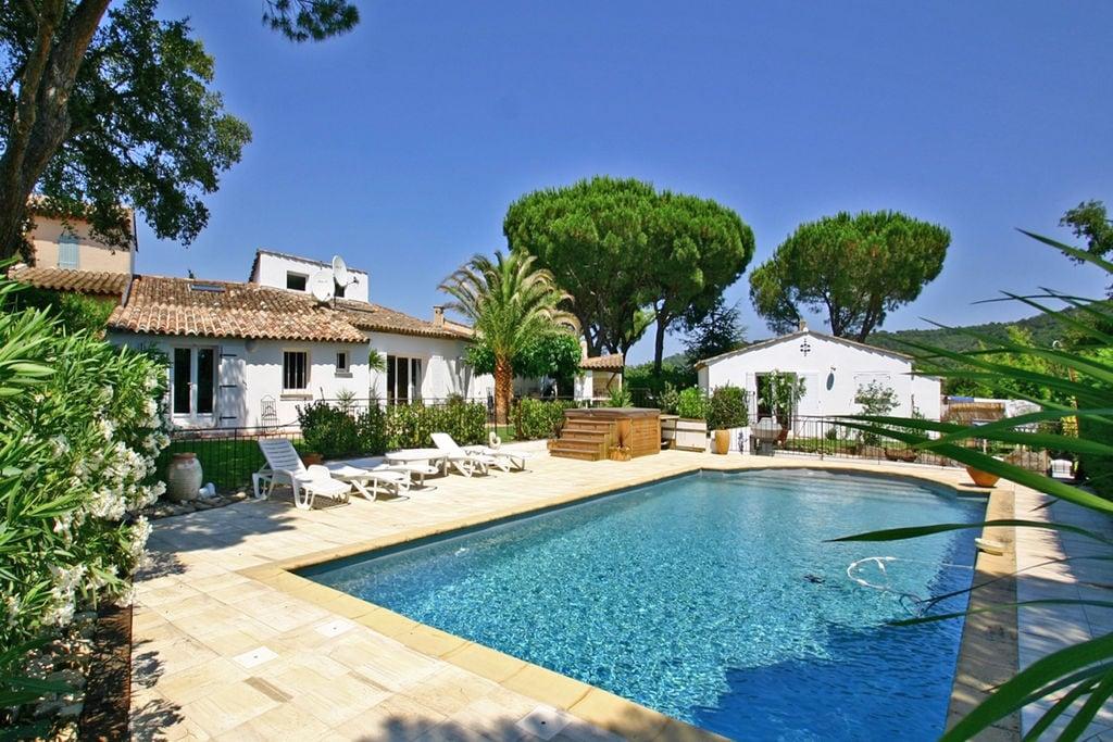 Moderne villa aan de Côte d'Azur met uitzicht op Gassin - Boerderijvakanties.nl