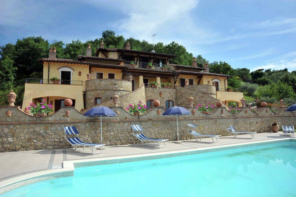 Collazzone- Vakantiewoning met zwembad   te huur