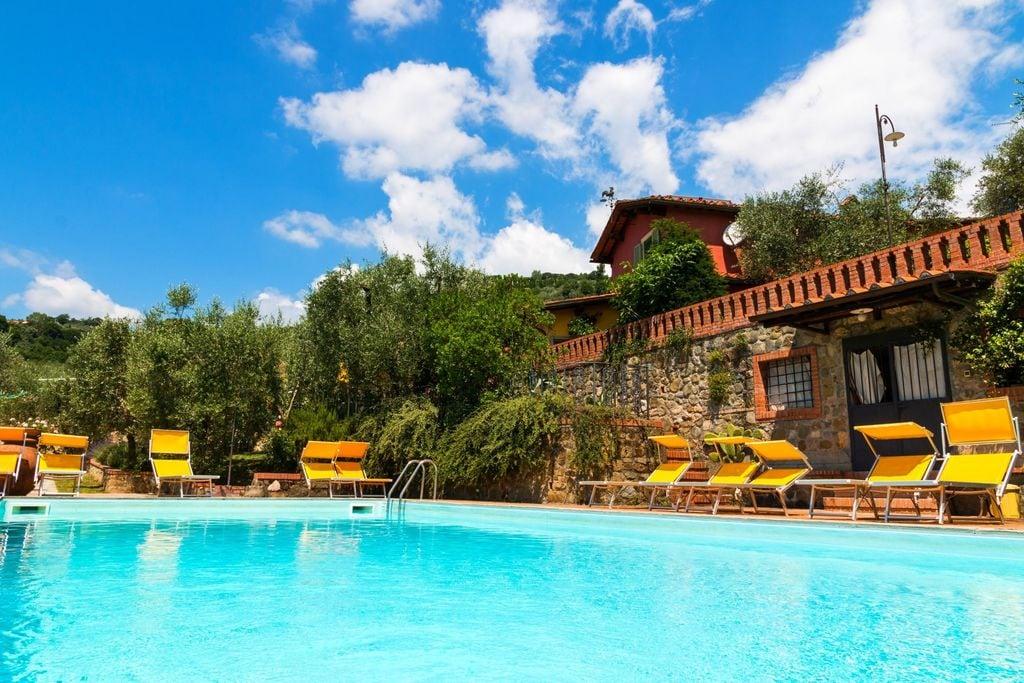 Knus appartement in Montecatini Terme met gedeeld zwembad - Boerderijvakanties.nl