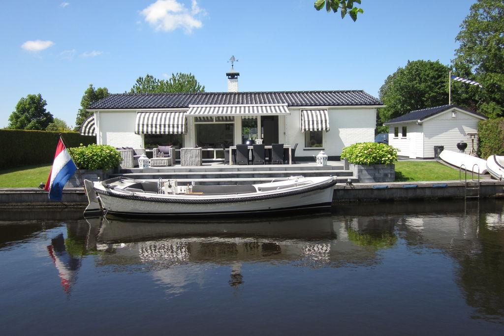 Modern en luxe vakantiehuis in Langweer met gratis zodiac - Boerderijvakanties.nl