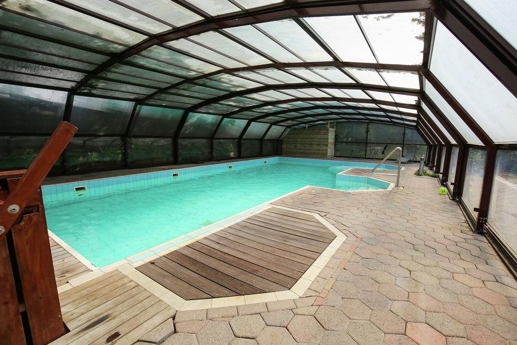 Prachtige blokhut in Finse stijl met o.a. zwembad, jacuzzi en sauna - Boerderijvakanties.nl