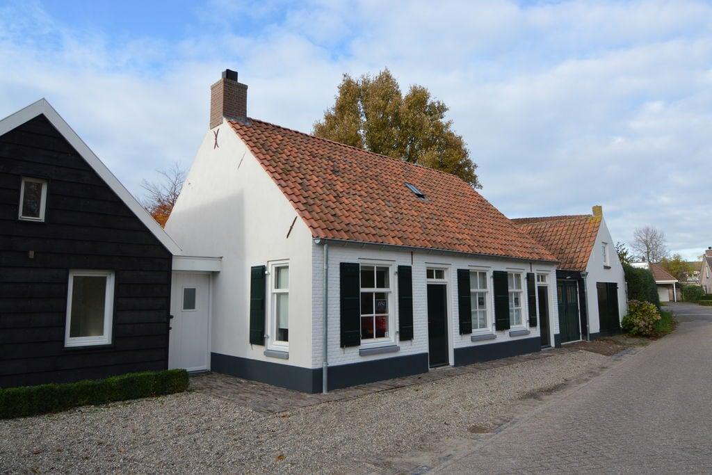 Stijlvol en vrijstaand huis met moderne keuken en grote tuin bij de Biesbosch - Boerderijvakanties.nl