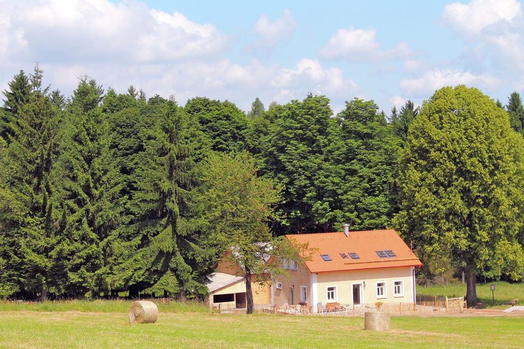 Mooi, gerenoveerd huis met prachtig uitzicht aan de rand van het Boheemse Woud - Boerderijvakanties.nl