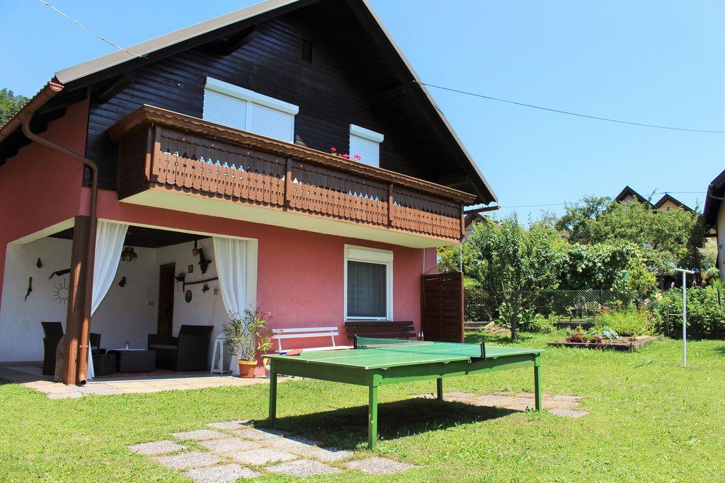 Chic vakantiehuis aan de bosrand in Eberndorf, Oostenrijk - Boerderijvakanties.nl
