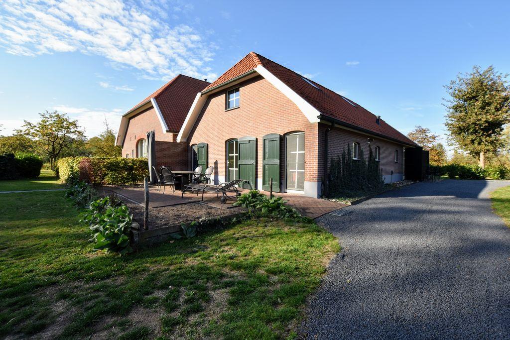 Moderne cottage in Aalten met een sauna - Boerderijvakanties.nl