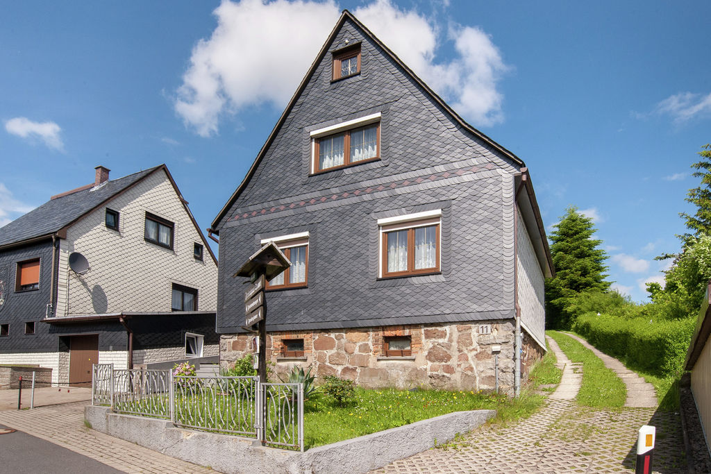 Vrijstaande vakantiewoning met terras en tuin aan de Rennsteig in Thüringen - Boerderijvakanties.nl