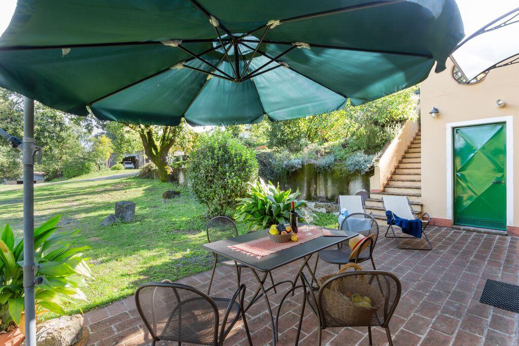 Agriturismo in Ville di Corsano met een privéterras en tuin - Boerderijvakanties.nl