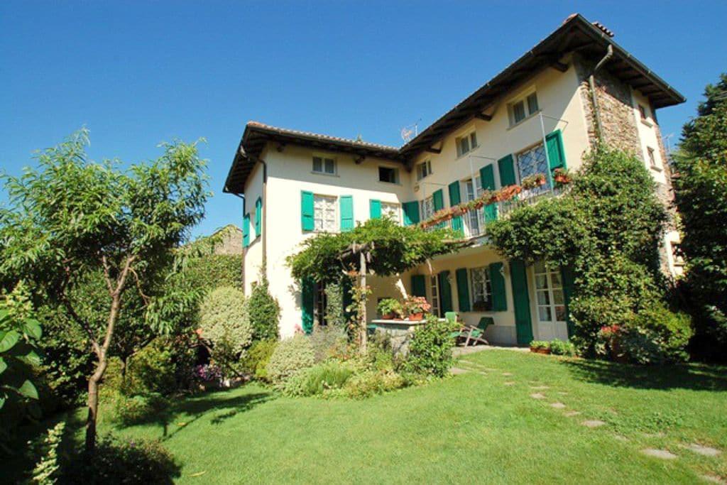 Vezzo-Gignese- Villa   met wifi te huur