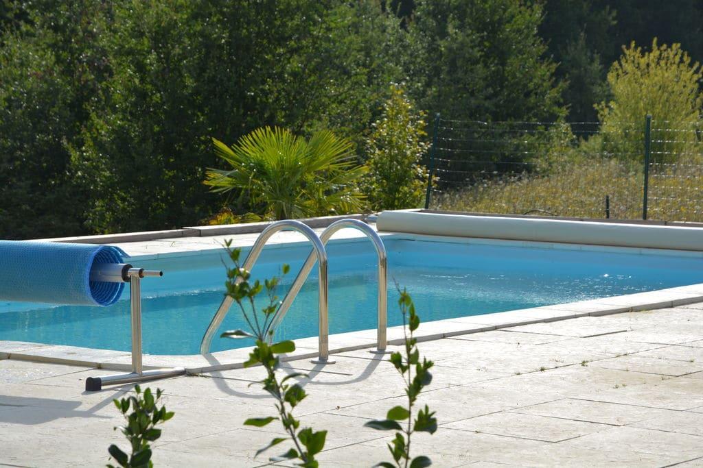 Paradijs voor jong en oud met privézwembad, trampoline, tafeltennis, sportveldje - Boerderijvakanties.nl