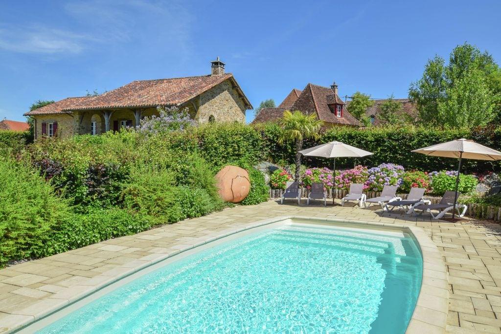 Luxe villa met een gastenverblijf en verwarmd zwembad. - Boerderijvakanties.nl