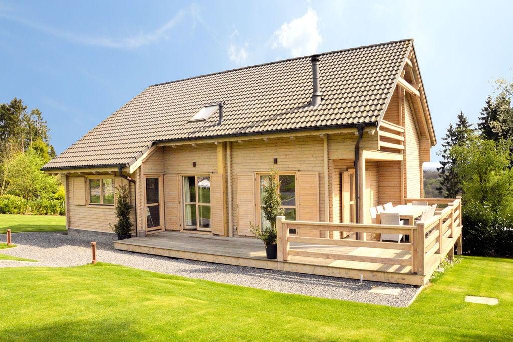 Zeer luxe vrijstaande villa met sauna, jacuzzi, recreatieruimte en omheinde tuin - Boerderijvakanties.nl
