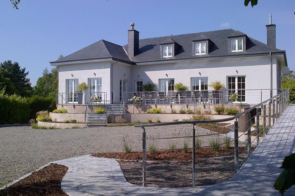 Luxe villa met verwarmd binnenzwembad en sauna in de omgeving van Libin - Boerderijvakanties.nl