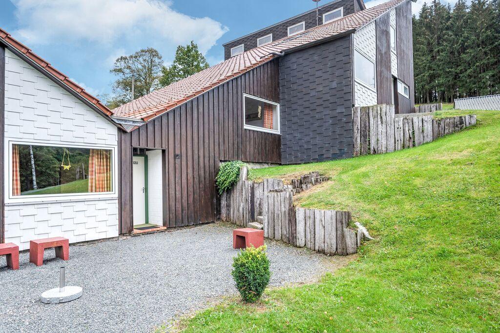 Fraai vakantiehuis in het Hochsauerland met eigen terras - Boerderijvakanties.nl
