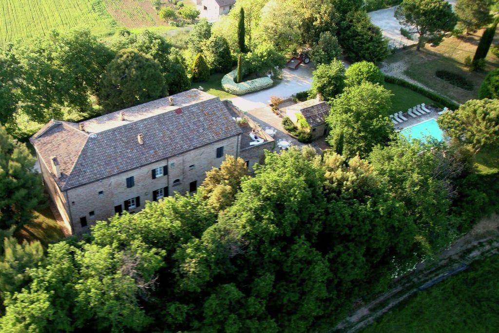 Montemaggiore-al-Metauro- Villa met zwembad  met wifi te huur