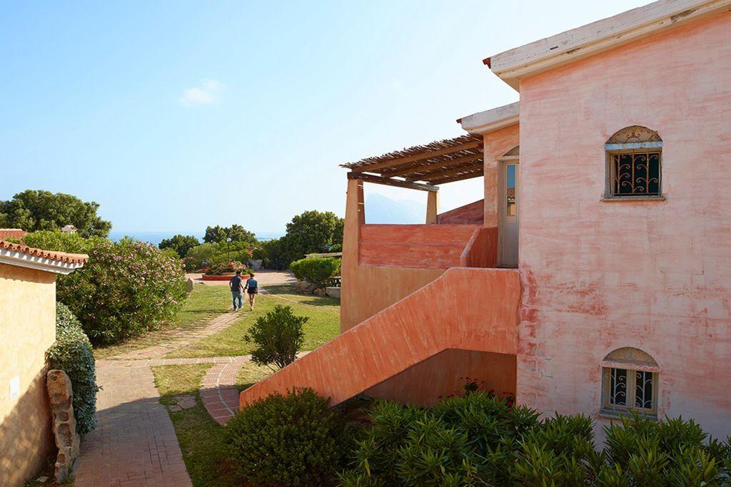 San-Teodoro- Appartement met zwembad  met wifi te huur
