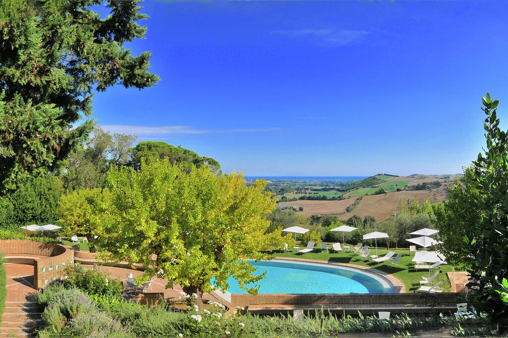 Monterado-di-Trecastelli- Vakantiewoning met zwembad  met wifi te huur