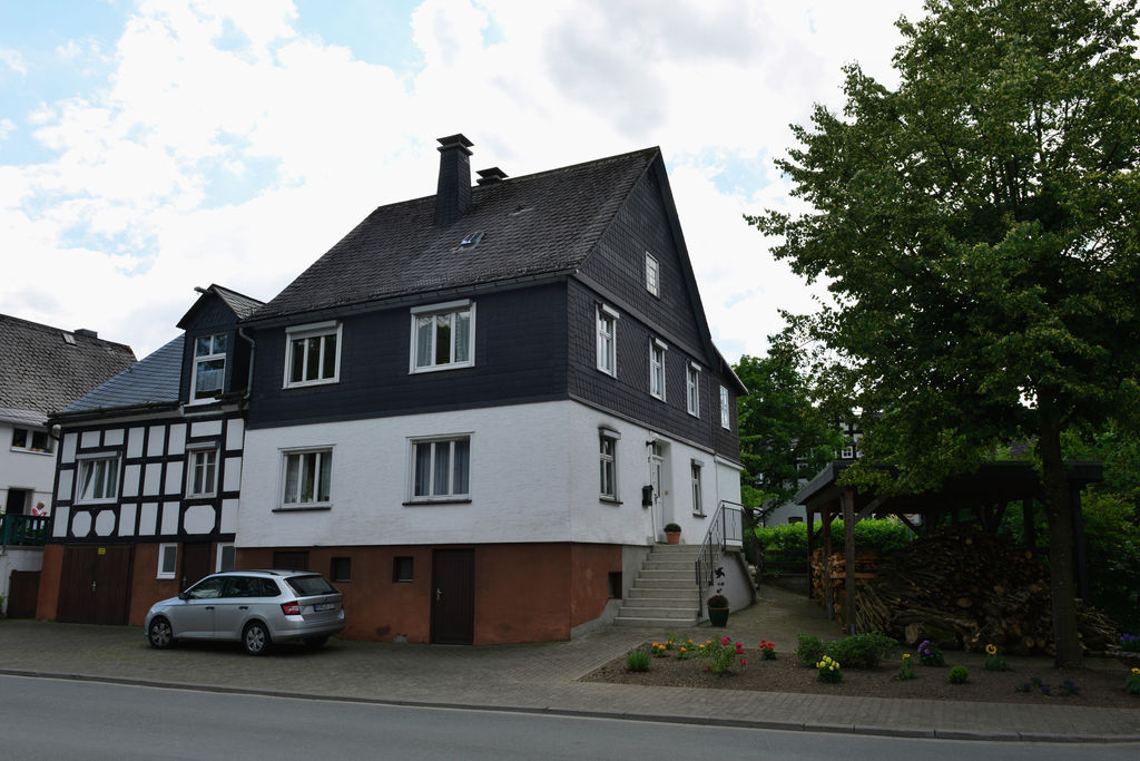Licht appartement in Sauerland met serre, groot terras en zonnescherm. - Boerderijvakanties.nl