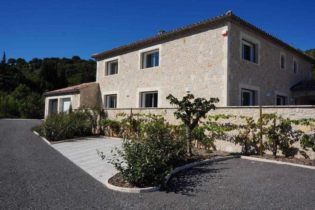 Modern ingerichte villa in Saint-Ambroix met privézwembad - Boerderijvakanties.nl