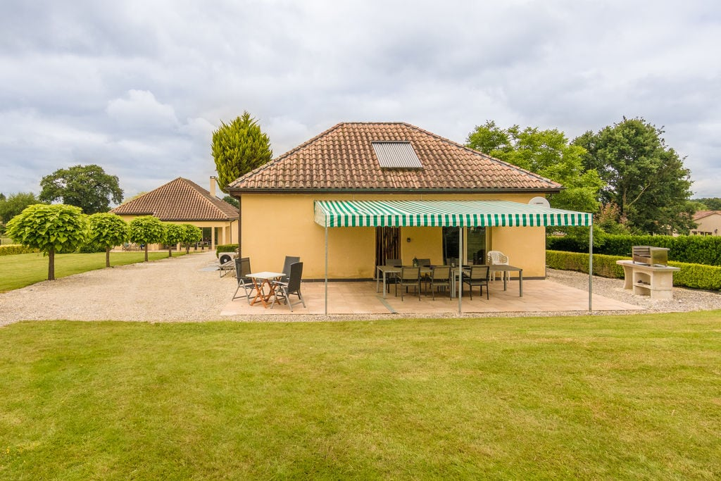 Twee comfortabele huizen met zwembad en tuin, vlakbij Monbazillac en Bergerac. - Boerderijvakanties.nl