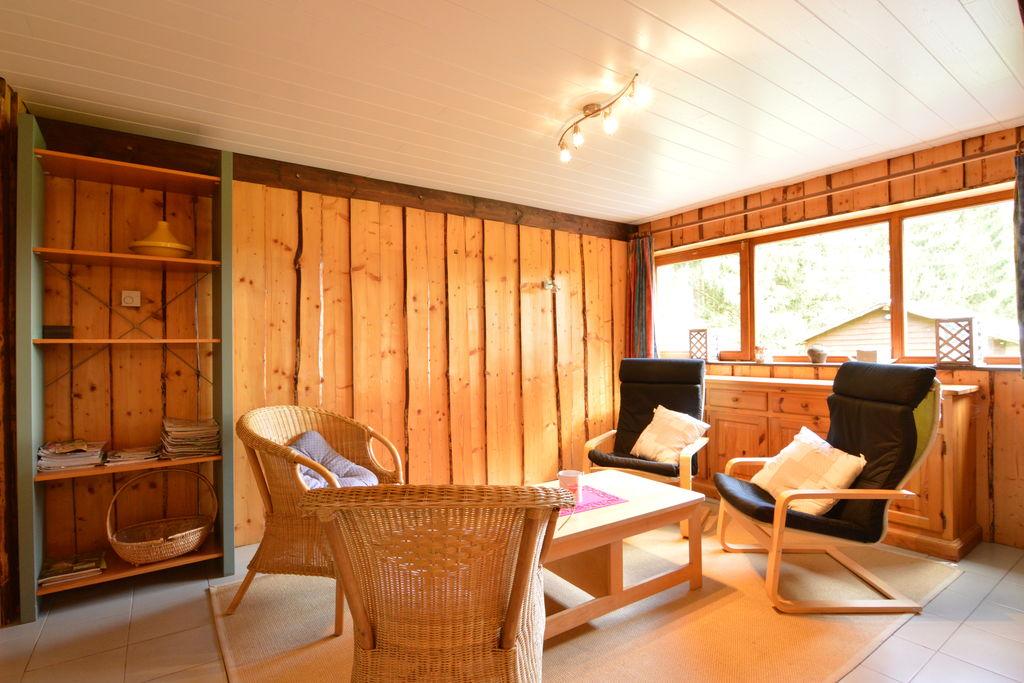 Hout interieur, mooie tuin en zeer rustige locatie aan de rand van het bos - Boerderijvakanties.nl