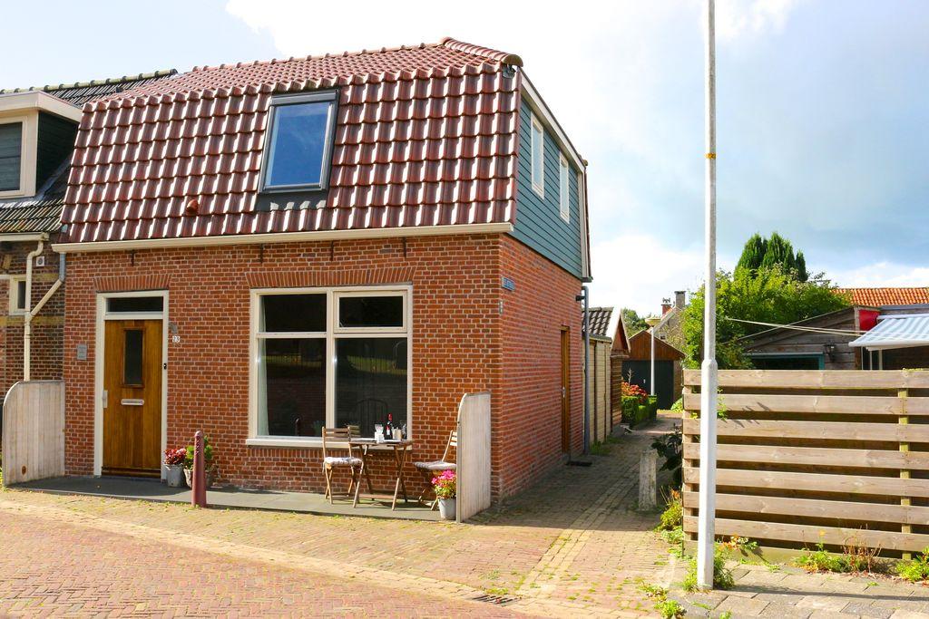 Gezellige vakantiewoning in Easterlittens gelegen tussen de Friese Elfsteden - Boerderijvakanties.nl
