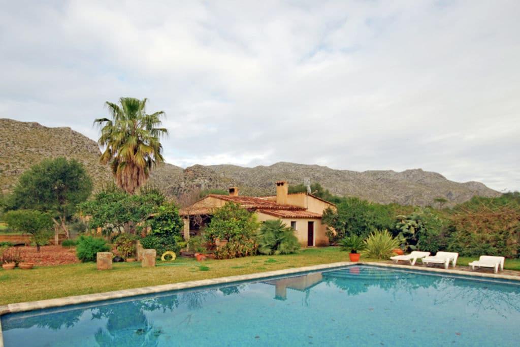 Luxe herenhuis in Pollenca, Mallorca met privézwembad - Boerderijvakanties.nl