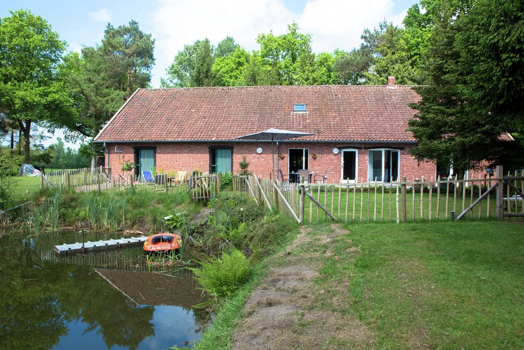 Sfeervol vakantiehuis midden in het bos bij Antwerpen - Boerderijvakanties.nl