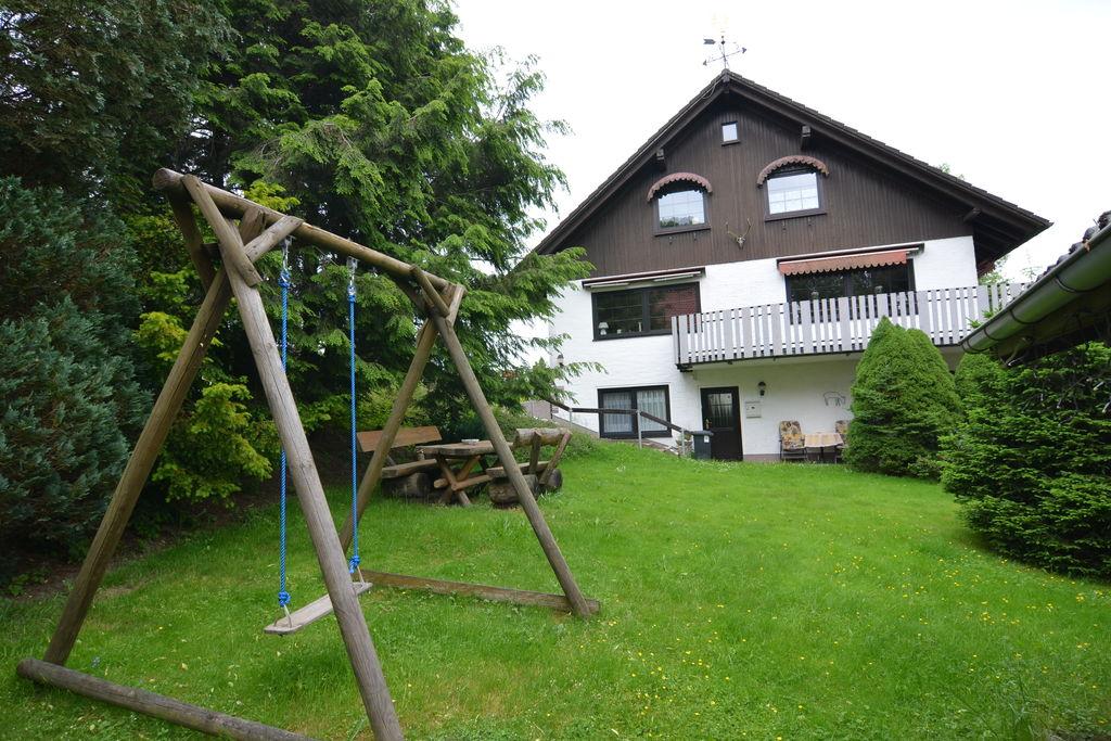 Ruimtelijk vakantiehuis in Buntenbock bij een skigebied - Boerderijvakanties.nl