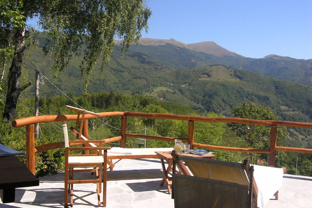 Cutigliano- Chalet met zwembad nabij Strand met wifi te huur