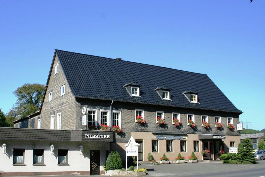 Modern appartement in het Sauerland met eigen restaurant en Biergarten - Boerderijvakanties.nl