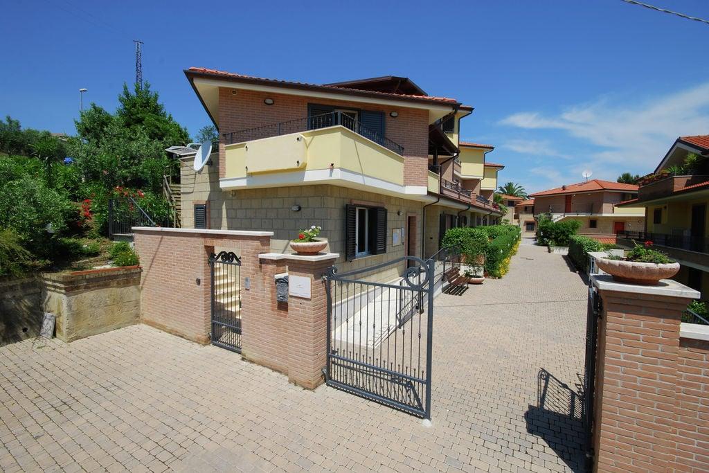 Tortoreto-Lido- Boerderij met zwembad  met wifi te huur