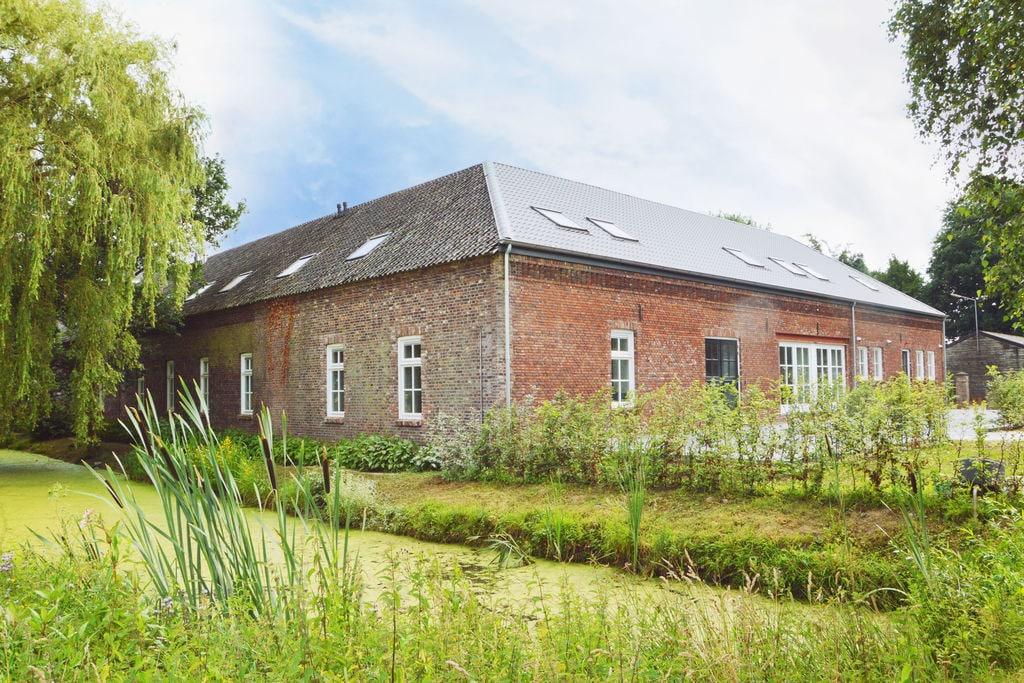 Modern landhuis met een sauna en stoomdouche in Swolgen - Boerderijvakanties.nl