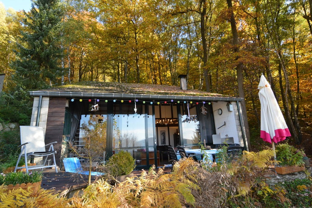 Vakantiehuis in Ardense stijl met een groot terras, gelegen in Coo - Boerderijvakanties.nl