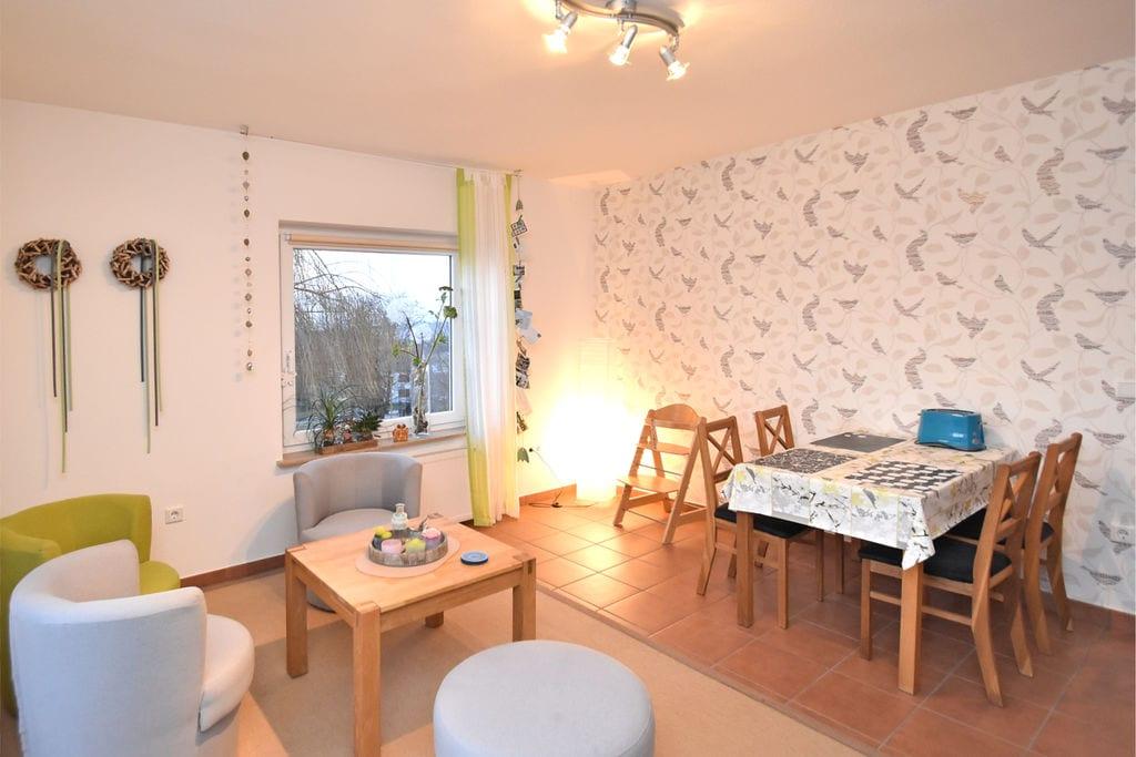 Licht appartement met eigen balkon en gebruik van de tuin in het Weserbergland - Boerderijvakanties.nl