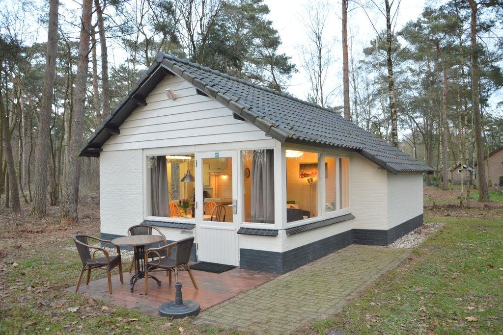Geheel vrijstaande bungalow op een natuurrijkpark aan een groot ven - Boerderijvakanties.nl