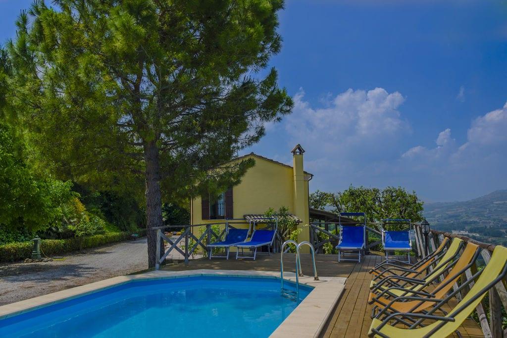 Luxe villa aan de Adriatische kust met een infinity pool - Boerderijvakanties.nl
