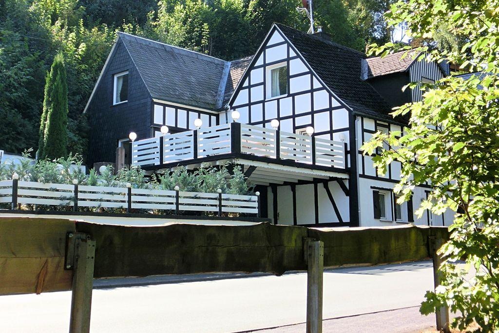 Modern appartement in Winterberg met terras - Boerderijvakanties.nl