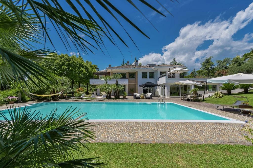 Moderne villa aan de Adriatische kust met privézwembad - Boerderijvakanties.nl