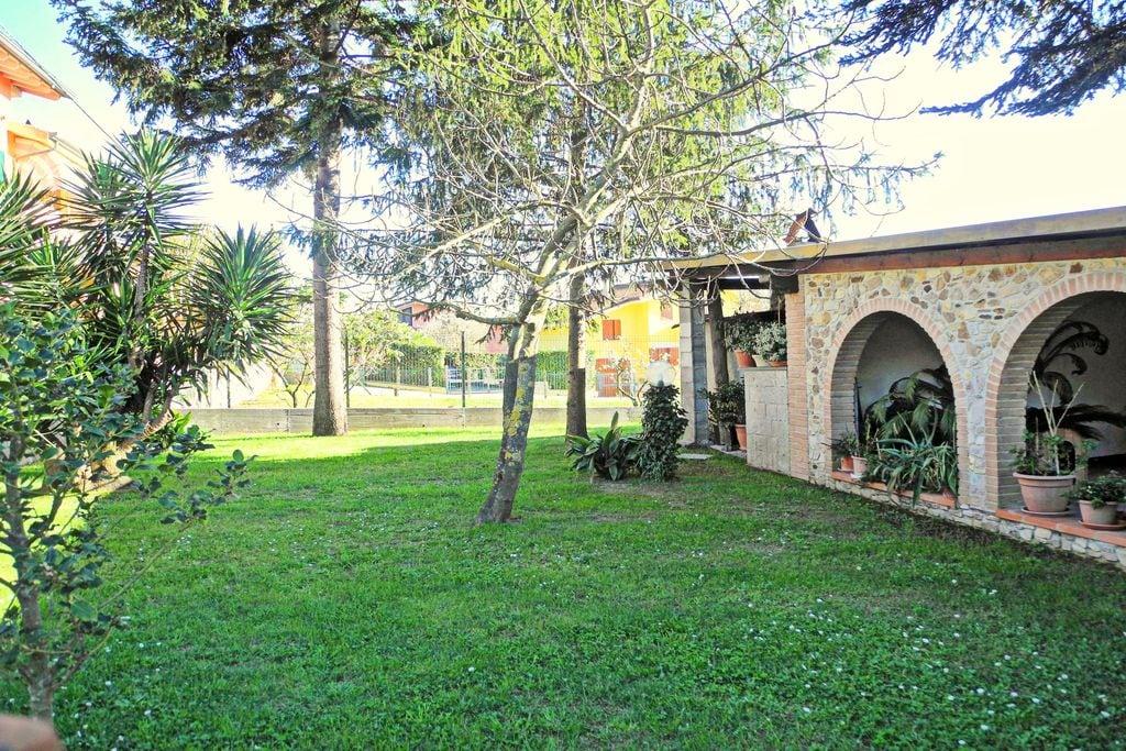 Vakantiehuis met eigen tuin, een paar km van de stranden van de Toscaanse kust - Boerderijvakanties.nl