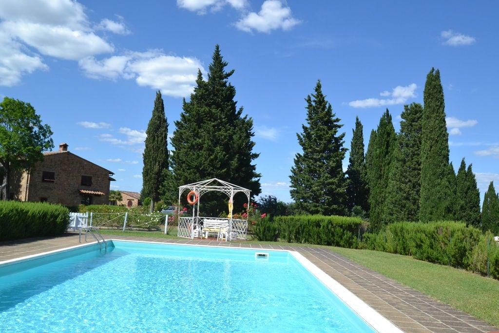 Ruim appartement in Toscane met zwembad - Boerderijvakanties.nl