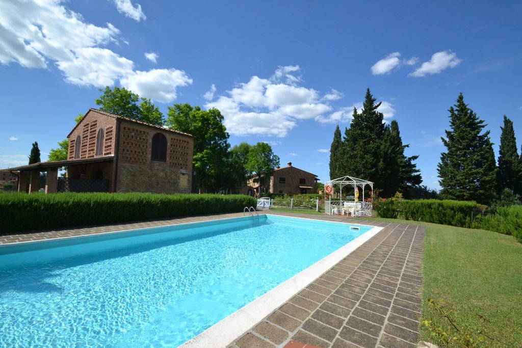 Knusse vakantiewoning in Alberi met een privézwembad - Boerderijvakanties.nl
