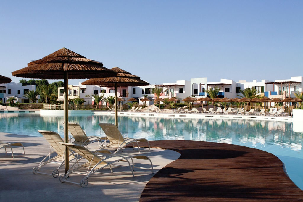 Castellaneta-Marina-(ta)- Appartement met zwembad nabij Strand met wifi te huur