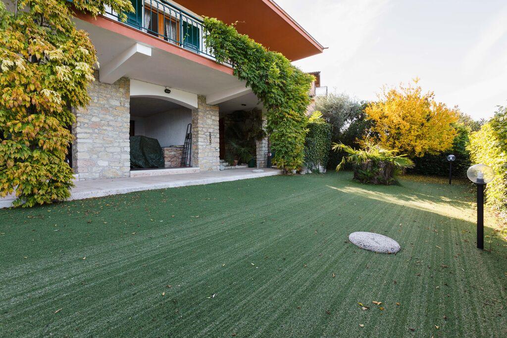 Fraaie villa in Torri del Benaco met prachtig uitzicht - Boerderijvakanties.nl