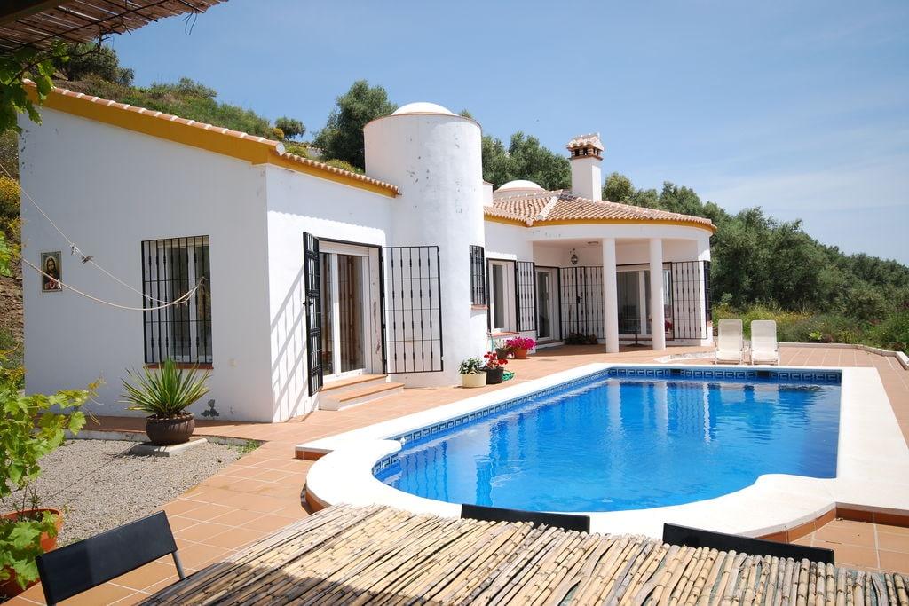 Comfortabele villa in Arenas met zwembad en buitenkeuken - Boerderijvakanties.nl